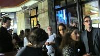 PARIS-LOUXOR organise des rencontres régulières avec la population (pots de rencontre, apéros, présence sur les marchés, projections etc.) et invite, celles et ceux qui le souhaitent, à partager un verre, s'informer, soutenir et/ou participer à ses projets. La prochaine rencontre...