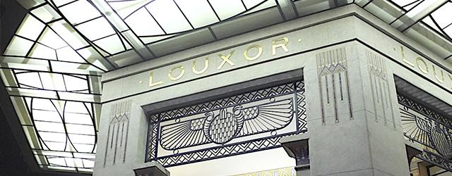 Salle emblématique du carrefour Barbès, le Louxor a cent ans !