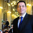 Sociologue de la culture, président de l'Université d'Avignon et passionné de cinéma.