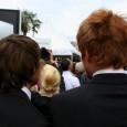 Au Festival de Cannes, accrédités ou non, invités ou non, les festivaliers font l'épreuve de l'attente.